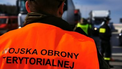 Śląskie: Policja, Straż Miejska i żołnierze kontrolują miejsca objęte zakazem. Z danych policji wynika, że w niedzielę nie stosowaliście się do obostrzeń (fot.Śląska Policja)