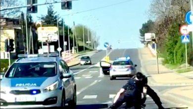 Śląskie: Rzucił się na policjantów z nożami. Groził, że ich pozabija. 27-latek trafił do szpitala psychiatrycznego (fot.Śląska Policja)