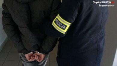 Mężczyzna, który próbował uciekać przez balkon ranił prosto do aresztu. [fot. Śląska Policja]