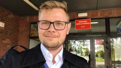 Minister Michał Woś na facebooku: Nie mam już koronawirusa! (fot.facebook/Michał Woś)