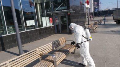 Katowice: Trwają regularne dezynfekcje przystanków, małej architektury i stref pieszych (fot.UM Katowice)