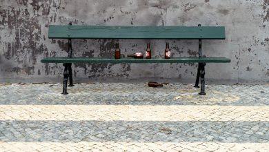"""Śląskie: """"Miał potrzebę napić się alkoholu w miejscu publicznym, bo na świeżym powietrzu lepiej smakuje"""". 33-latek stanie przed sądem (fot.poglądowe/www.pixabay.com)"""