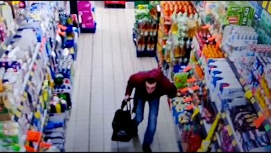 Policjanci z Mysłowic szukają świadków dwóch kradzieży z włamaniem z 12 i 13 kwietnia. Do rabunku doszło w Biedronce przy ulicy Powstańców