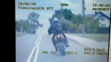 Motocyklista uciekał śląskiej policji z karabinem maszynowym! Miał coś jeszcze!