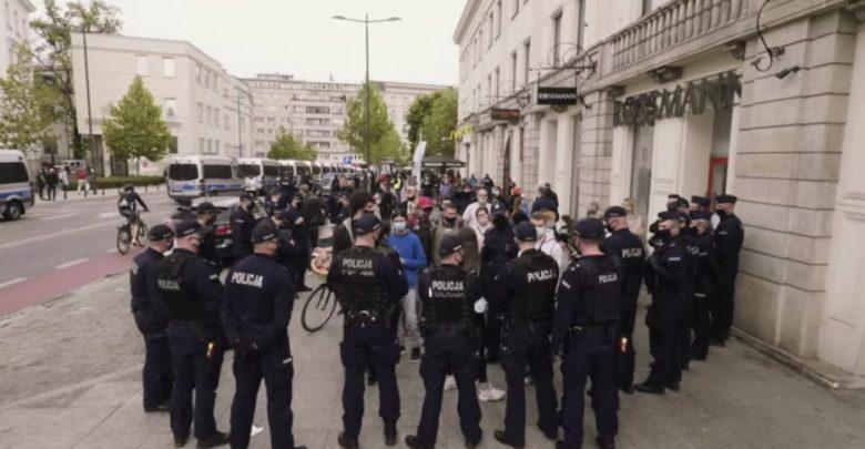 Protest przedsiębiorców w Warszawie: Zatrzymany uczestnik ze Śląska ma objawy zakażenia!