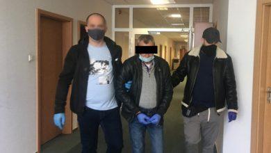 Wyciągnął w karetce nóż i zaatakował nim ratownika. Grozi mu 10 lat więzienia (fot.policja.pl)