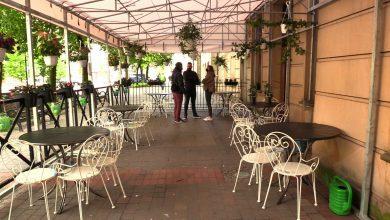Luzowanie obostrzeń: Czy restauracje wytrzymają mimo odmrażania gospodarki? Miasta próbują pomóc