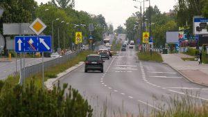Bus pas, który niedawno powstał na ulicy Braci Mieroszewskich w Sosnowcu, budzi coraz więcej kontrowersji