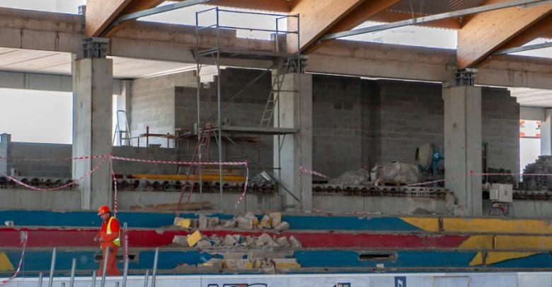 Bytom: Mury nowego lodowiska pną się do góry. Z obiektu będzie można korzystać jesienią 2021 roku (fot.UM Bytom)