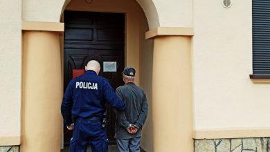 """Śląskie: Pobił matkę. Taki kobieta dostała """"prezent"""" w swoje święto (fot.Śląska Policja)"""