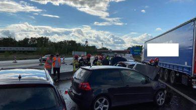 Karambol w Katowicach na A4 i korek na 5 km! Jedna osoba w szpitalu, 5 rozbitych samochodów