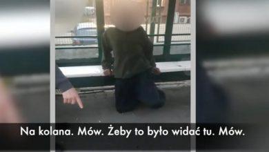 Szokujące nagranie! Kazał klękać bezdomnemu i przepraszać Allaha! [WIDEO]