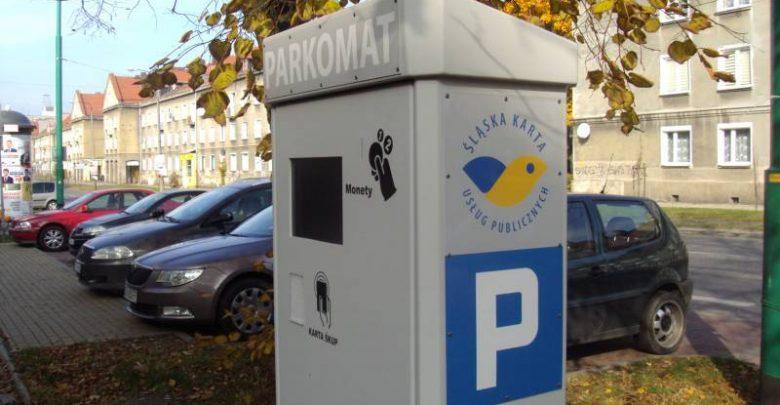 Tychy: od poniedziałku znowu płatne parkingi. Wracają przyciski przy przejściach. Fot. UM Tychy