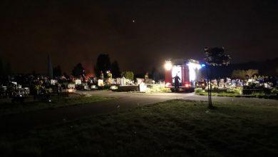 Nietypowy pożar w Jaworznie. Zapalił się... grób. Fot. Jaw.pl