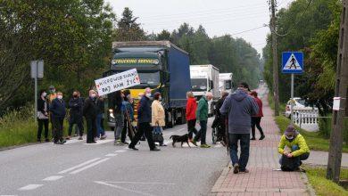 1000 tirów dziennie pod oknami! Mieszkańcy Sławkowa wyszli na ulice i zorganizowali protest!
