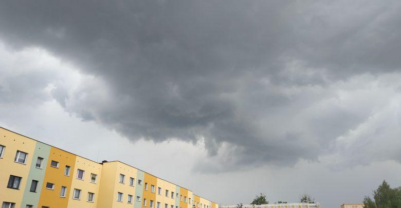 POTĘŻNE burze z gradem nadciągają nad Śląsk i Zagłębie! [OSTRZEŻENIE 26.06.2020]