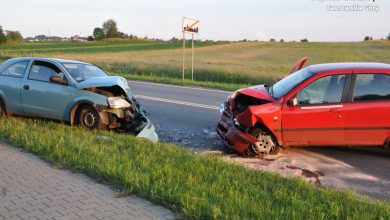 Tragiczny wypadek w Tarnowskich Górach. Nie żyje kierowca fiata (fot.Śląska Policja)