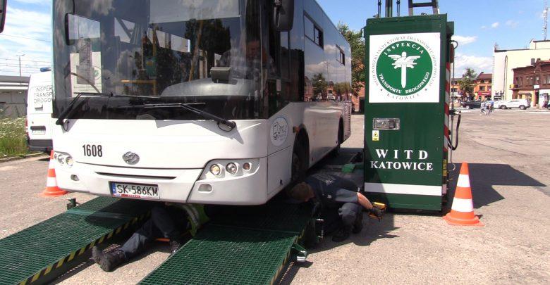 Autobusy i kierowcy Zarządu Transportu Metropolitalnego będą częściej kontrolowani. Decyzja związana jest z wypadkami, które miały miejsce w Warszawie, gdzie kierowcy autobusów jeździli pod wpływem narkotyków