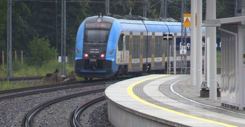Modernizacja trasy Katowice - Warszawa daje rezultaty. Podróż pociągiem coraz szybsza