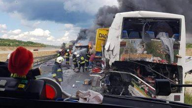 Koszmarny wypadek na DK1 za Częstochową! Ciężarówka uderzyła w autokar i stanęła w płomieniach [NOWE FAKTY, ZDJĘCIA] Fot: OSP Bogusławice / Kamil