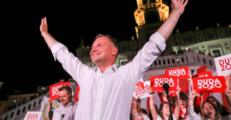 100% głosów policzone. Słupek Dudy mniejszy, ale reelekcja niezagrożona (foto.Andrzej Duda facebook)