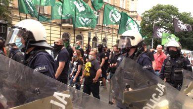 Nacjonaliści przeszli przez Katowice. Była kontrmanifestacja! [fot. TVS]