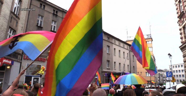 """Istebna nie będzie """"strefą wolną od LGBT""""? Uchwała o powstrzymaniu ideologii LGBT nieważna"""