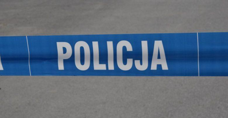 59-latek przygnieciony przez ciągnik. Mężczyzna zginął na miejscu (fot.Policja Podkarpacka)