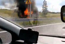 Jak mówią strażacy - pożar samochodu ciężarowego na DTŚ w Rudzie Śląskiej to najprawdopodobniej samozapłon. Pożar samochodu na DTŚ w Rudzie Śląskiej wybuchł w piątek, 3 lipca ok 15.00 w Rudzie Śląskiej