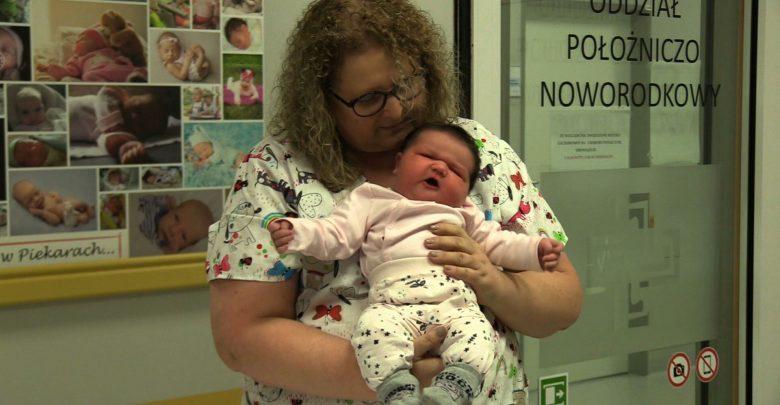 Maja okazała się noworodkiem ponad przeciętnie rozwiniętym. W momencie narodzin ważyła 6860 gramów i mierzyła 66 centymetrów
