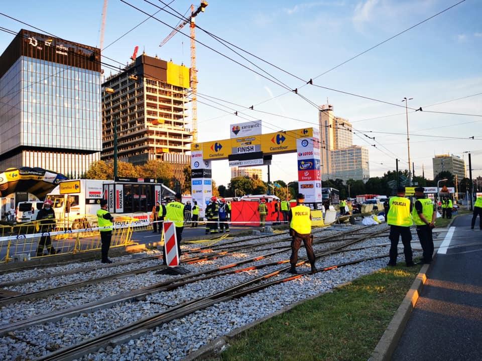 Tour de Pologne: Makabryczny wypadek pod Spodkiem w Katowicach! Holenderski kolarz w śpiączce! (fot.policja)