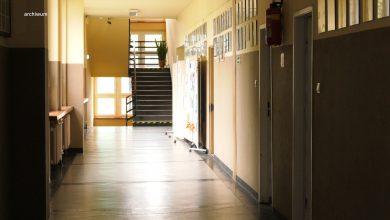 Samorządy grzmią w sprawie nowego roku szkolnego! Minister odpowiada [WIDEO]