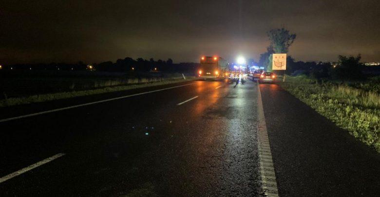 Policja apeluje do świadków wypadku, który 22 sierpnia wstrząsnął nie tylko Śląskiej. Na DK 88 pod Gliwicami w rejonie węzła Kleszczów zginęło 9 osób (fot.KMP Gliwice)