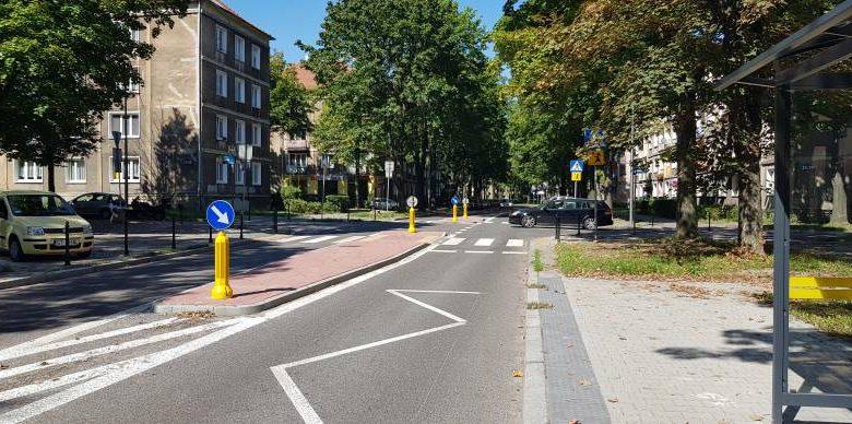 """Kolejne """"azyle"""" dla pieszych w Tychach. Wszystko po to, by podnieść poziom bezpieczeństwa ruchu w mieście (fot.UM Tychy)"""
