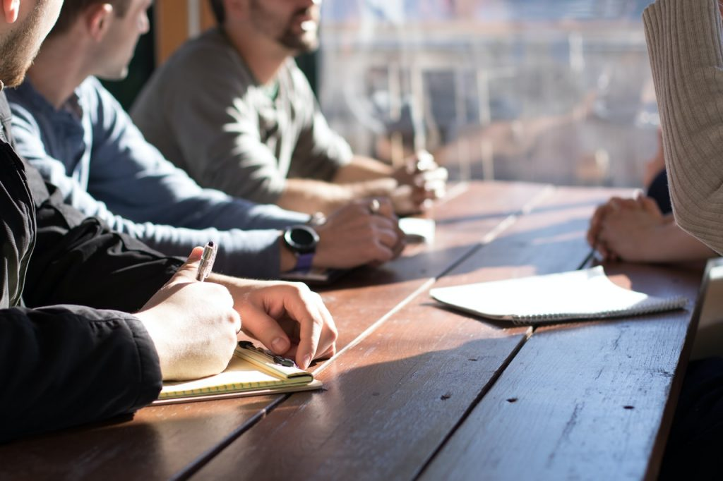 Przygotowanie odpowiedniego CV - o czym należy pamiętać?(Źródło: unsplash.com Licencja: https://unsplash.com/license )
