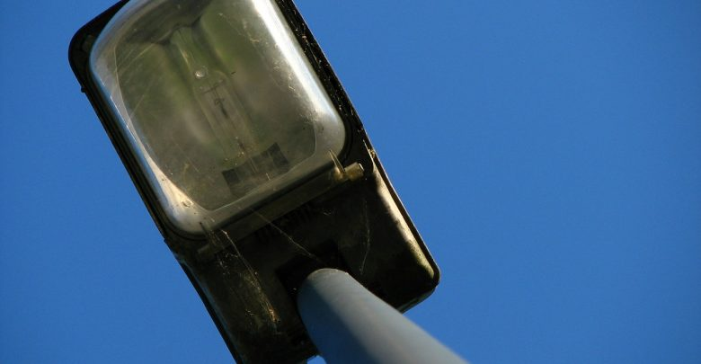 Stare lampy zostaną wymienione na nowe, a miasto zaoszczędzi 300 tys. złotych. [fot. ilustracyjne / www.pixabay.com]