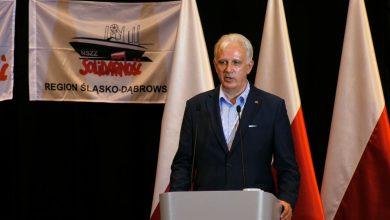 -Byliśmy dla siebie lepsi, byliśmy dla siebie normalniejsi, potrafiliśmy ze sobą dyskutować, potrafiliśmy się pięknie wspierać - mówił dzisiaj w Zabrzu Dominik Kolorz, przewodniczący Śląsko-Dąbrowskiej Solidarności