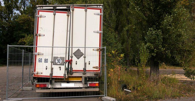 Tajemnicze ciężarówki pojawiły się w Sosnowcu. Mieszkańcy przerażeni tym, co jest w środku!