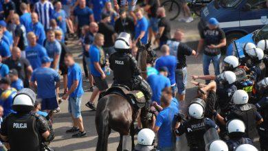 Kibole starli się z policją. Derby Śląska zakończyły się zatrzymaniem 23 osób (fot.Śląska Policja)