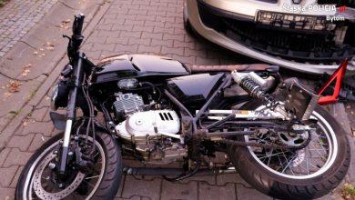 Wypadek motocyklisty w Bytomiu. 27-latek trafił do szpitala (fot.KMP Bytom)