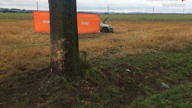Śląskie: Tragiczny wypadek na DK46 w gminie Lelów. Dwie osoby nie żyją (fot.Śląska Policja)