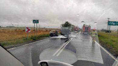 Kolejna tragedia na drodze pod Gliwicami! Bus i osobówka stanęły w ogniu po zderzeniu! (fot.KMP Gliwice)