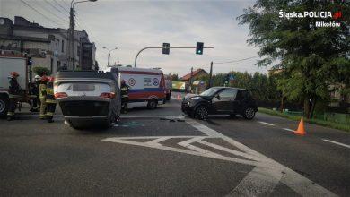 Śląskie: Groźny wypadek w Gostyni. 47-latka nie zauważyła nadjeżdżającego auta (fot.KPP Mikołów)