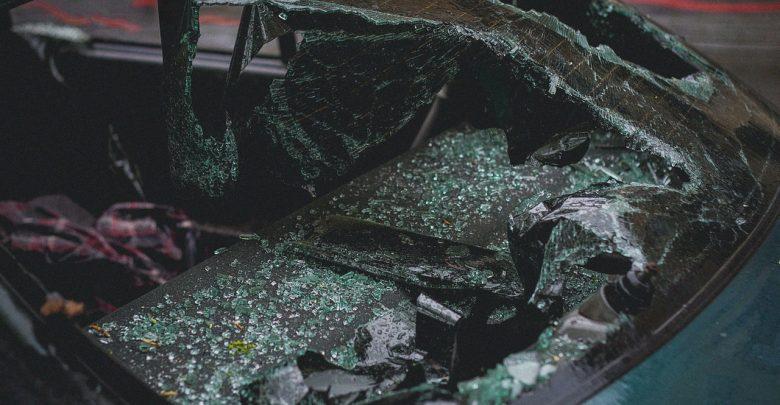 Śmiertelny wypadek w Rachowicach! Drzewo zgniotło BMW (fot.poglądowe - pexels.com)