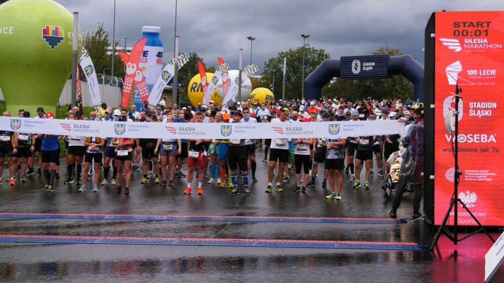 1218 wystartowało w głównym biegu Silesia Marathon 2020 - największej biegowej imprezie w naszym regionie z metą na Stadionie Śląskim