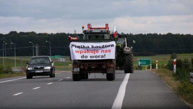 Blokują drogi bo jak mówią czują się zagrożeni i oszukani. Rolnicy w ramach protestu zablokowali drogi w 100 miejscach w Polsce