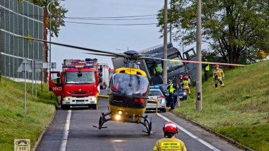 Helikopter lądował na DK w Tychach! Kierowca TIRa zasłabł za kierownicą i zjechał drogi! (fot. www.112tychy.pl)