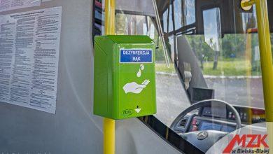 Bezdotykowa dezynfekcja rąk w autobusach szkolnych (fot.UM Bytom)