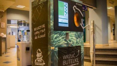 Sosnowiec postawił kolejne automaty na butelki. Każda wrzucona wspiera sport. Fot. UM Sosnowiec