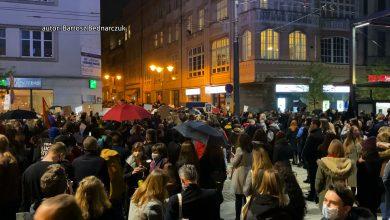 W tę znamienną dla historii Polski datę kobiety i Ci, którzy je w strajkach wspierają ponownie wychodzą na ulice. Największy protest odbywa się w stolicy. [fot. poglądowa / archiwum]